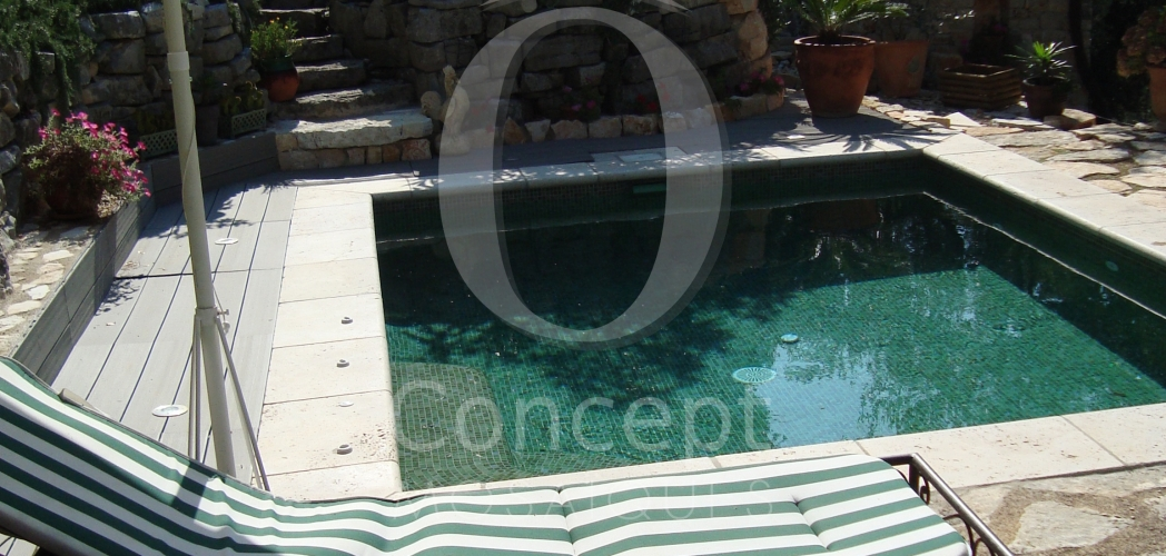 Mini pool, bubble basin or spa – The glass mosaic embellishes them all